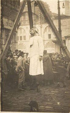 1915 - pendaison à Constantinople d'un Arménien